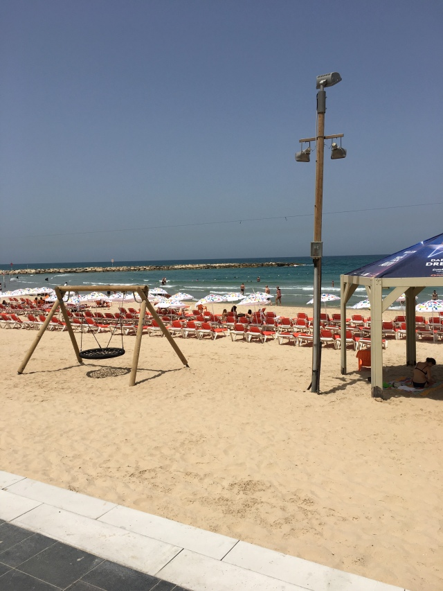 Gordon Beach, Tel Aviv, Brownell, 2019